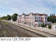Купить «Калуга, железнодорожная станция Калуга-1, летний день», эксклюзивное фото № 29799369, снято 13 августа 2018 г. (c) Dmitry29 / Фотобанк Лори