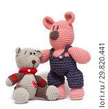Купить «Knitted toys - a little bears», фото № 29820441, снято 22 января 2019 г. (c) Игорь Струков / Фотобанк Лори