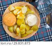 Купить «Patatas bravas with garlic mayonnaise and sauce», фото № 29831873, снято 17 июля 2019 г. (c) Яков Филимонов / Фотобанк Лори