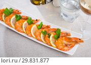 Купить «Grilled shrimps», фото № 29831877, снято 18 июня 2019 г. (c) Яков Филимонов / Фотобанк Лори
