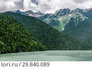Купить «Mountains surrounding Ritsa Lake in an Abkhazia», фото № 29840089, снято 3 июня 2018 г. (c) Володина Ольга / Фотобанк Лори
