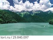 Купить «Beautiful Mountains surrounding Ritsa Lake in an Abkhazia», фото № 29840097, снято 3 июня 2018 г. (c) Володина Ольга / Фотобанк Лори