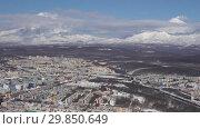 Купить «Петропавловск-Камчатский и вулканы. Time lapse», видеоролик № 29850649, снято 3 февраля 2019 г. (c) А. А. Пирагис / Фотобанк Лори
