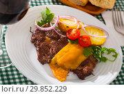 Well done roasted beef steak with cheese. Стоковое фото, фотограф Яков Филимонов / Фотобанк Лори