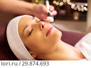 Купить «beautician applying facial mask to woman at spa», фото № 29874693, снято 26 января 2017 г. (c) Syda Productions / Фотобанк Лори