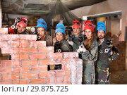 Купить «Players are ready to game in paintball», фото № 29875725, снято 10 июля 2017 г. (c) Яков Филимонов / Фотобанк Лори