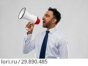 Купить «indian businessman screaming over grey», фото № 29890485, снято 12 января 2019 г. (c) Syda Productions / Фотобанк Лори