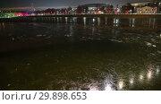 Купить «Moskva River on a winter evening, Moscow, Russia», видеоролик № 29898653, снято 7 февраля 2019 г. (c) Владимир Журавлев / Фотобанк Лори