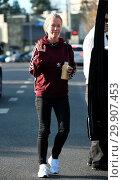 Купить «Kendra Wilkinson has lunch with a friend Featuring: Kendra Wilkinson Where: Los Angeles, California, United States When: 10 Jan 2018 Credit: WENN.com», фото № 29907453, снято 10 января 2018 г. (c) age Fotostock / Фотобанк Лори