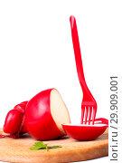 Купить «Твёрдый копчёный сыр ручной работы в парафиновой оболочке», фото № 29909001, снято 13 января 2019 г. (c) V.Ivantsov / Фотобанк Лори