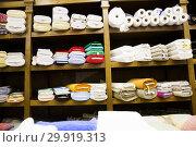 Купить «different fabric bolts exposed on shelves», фото № 29919313, снято 2 марта 2018 г. (c) Яков Филимонов / Фотобанк Лори