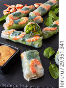 Купить «Fresh Spring Roll, Vietnamese Rice Paper Rolls», фото № 29951341, снято 10 февраля 2019 г. (c) Oksana Zh / Фотобанк Лори