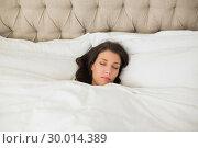 Купить «Calm pretty brown haired woman sleeping in her bed», фото № 30014389, снято 20 июня 2013 г. (c) Wavebreak Media / Фотобанк Лори
