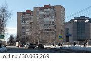 Купить «Одинцово, улица Маршала Жукова», эксклюзивное фото № 30065269, снято 19 февраля 2019 г. (c) Дмитрий Неумоин / Фотобанк Лори