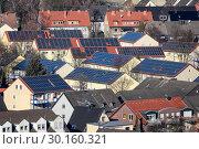 Купить «Solar settlement in Bottrop, Ruhr area, Germany, Europe», фото № 30160321, снято 20 января 2019 г. (c) Caro Photoagency / Фотобанк Лори