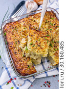 Homemade potato kugel is a dish of jewish cuisine. Стоковое фото, фотограф Марина Сапрунова / Фотобанк Лори