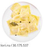 Купить «Plate of freshly boiled ravioli», фото № 30175537, снято 26 марта 2019 г. (c) Яков Филимонов / Фотобанк Лори