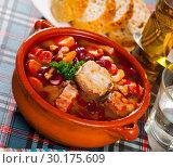Купить «Beans stewed with pork», фото № 30175609, снято 17 июля 2019 г. (c) Яков Филимонов / Фотобанк Лори