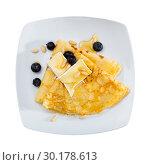 Купить «Pancakes with cheese brie and honey», фото № 30178613, снято 9 июля 2020 г. (c) Яков Филимонов / Фотобанк Лори