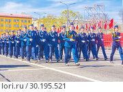 beautiful women soldiers are marching in formation. (2018 год). Редакционное фото, фотограф Акиньшин Владимир / Фотобанк Лори