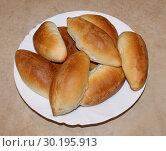 Купить «Домашние пирожки», фото № 30195913, снято 21 февраля 2019 г. (c) Павел Кричевцов / Фотобанк Лори