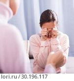 Купить «Mother reprimands her daughter», фото № 30196117, снято 26 марта 2019 г. (c) Яков Филимонов / Фотобанк Лори