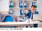 Купить «Employee stealing important information in industrial espionage», фото № 30204649, снято 10 августа 2018 г. (c) Elnur / Фотобанк Лори