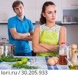 Couple quarreling at kitchen. Стоковое фото, фотограф Яков Филимонов / Фотобанк Лори