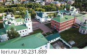 Купить «View from drones of Spaso-Preobrazhensky monastery in Murom», видеоролик № 30231889, снято 27 июня 2018 г. (c) Яков Филимонов / Фотобанк Лори