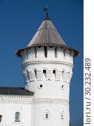 The corner tower of the Seating courtyard of Tobolsk Kremlin. Tobolsk. Siberia. Russia (2016 год). Редакционное фото, фотограф Serg Zastavkin / Фотобанк Лори