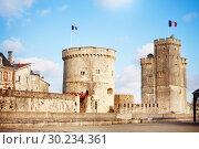 Купить «Tower of Saint-Nicolas, La Rochelle, west France», фото № 30234361, снято 2 декабря 2017 г. (c) Сергей Новиков / Фотобанк Лори