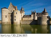 Купить «View of Chateau de Sully-sur-Loire», фото № 30234901, снято 11 октября 2018 г. (c) Яков Филимонов / Фотобанк Лори