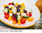 Купить «Greek salad», фото № 30242581, снято 20 марта 2019 г. (c) Яков Филимонов / Фотобанк Лори