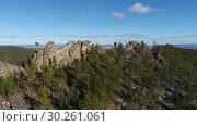 Купить «Забайкальская тайга. Видео с дрона.», видеоролик № 30261061, снято 8 октября 2018 г. (c) kinocopter / Фотобанк Лори