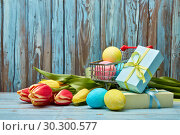 Купить «Easter shopping», фото № 30300577, снято 9 марта 2019 г. (c) Мельников Дмитрий / Фотобанк Лори