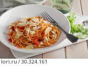 Купить «Spaghetti with tomato sauce and parmesan», фото № 30324161, снято 12 марта 2019 г. (c) Stockphoto / Фотобанк Лори