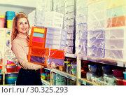 Купить «girl holding plastic boxes satisfied», фото № 30325293, снято 15 января 2018 г. (c) Яков Филимонов / Фотобанк Лори