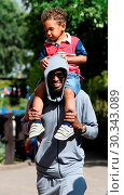 Купить «Mo Farah out and about in Legoland resort Windsor with his family earlier today Featuring: Mo Farah, Hussein Farah Where: Windsor, United Kingdom When: 01 Sep 2017 Credit: WENN.com», фото № 30343089, снято 1 сентября 2017 г. (c) age Fotostock / Фотобанк Лори