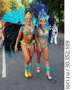 Купить «Samba dancers take to street tropical weather for Notting Hill Carnival, London. Featuring: Atmosphere Where: London, United Kingdom When: 28 Aug 2017 Credit: WENN.com», фото № 30352109, снято 28 августа 2017 г. (c) age Fotostock / Фотобанк Лори
