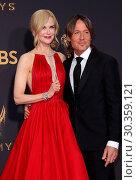 Купить «69th Emmy Awards held at the Microsoft Theatre L.A. LIVE - Arrivals Featuring: Nicole Kidman, Keith Urban Where: Los Angeles, California, United States...», фото № 30359121, снято 17 сентября 2017 г. (c) age Fotostock / Фотобанк Лори