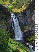 Купить «Летний вид сверху на водопад в горах», фото № 30366885, снято 12 сентября 2013 г. (c) А. А. Пирагис / Фотобанк Лори