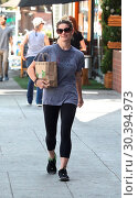 Купить «Ashley Greene was all smiles at Creation Juice in Hollywood Featuring: Ashley Greene Where: Hollywood, California, United States When: 09 Aug 2017 Credit: WENN.com», фото № 30394973, снято 9 августа 2017 г. (c) age Fotostock / Фотобанк Лори