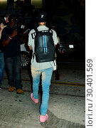 Купить «Justin Bieber after a Maxfield store appearance in West Hollyood Featuring: Justin Bieber Where: West Hollywood, California, United States When: 04 Aug 2017 Credit: WENN.com», фото № 30401569, снято 4 августа 2017 г. (c) age Fotostock / Фотобанк Лори