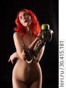 Купить «Red-haired naked girl carrying python view», фото № 30415181, снято 22 октября 2017 г. (c) Гурьянов Андрей / Фотобанк Лори