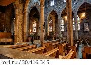 Купить «The interior of the Sheffield Cathedral's nave. Sheffield. England», фото № 30416345, снято 7 мая 2009 г. (c) Serg Zastavkin / Фотобанк Лори