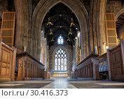Купить «The interior of the Sheffield Cathedral's nave. Sheffield. England», фото № 30416373, снято 7 мая 2009 г. (c) Serg Zastavkin / Фотобанк Лори