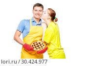 Купить «a man in an apron with a pie and her beloved wife, portrait on a white background», фото № 30424977, снято 14 октября 2018 г. (c) Константин Лабунский / Фотобанк Лори