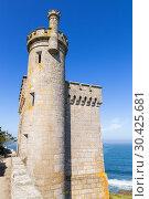 Байона, Испания. Крепостная башня-маяк  Torre do Príncipe (2017 год). Стоковое фото, фотограф Rokhin Valery / Фотобанк Лори