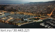 Купить «View from drones of sailboats and yachts in old port of Barcelona and gothic quarter at night», видеоролик № 30443221, снято 28 сентября 2018 г. (c) Яков Филимонов / Фотобанк Лори