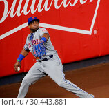Купить «The New York Yankees take on the New York Mets during game 2 of the 2017 Subway Series at Yankee Stadium Featuring: Yoenis Cespedes Where: Bronx, New York...», фото № 30443881, снято 15 августа 2017 г. (c) age Fotostock / Фотобанк Лори